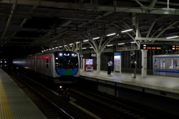 2020年7月15日。石神井公園。中央が、到着する40105Fの上り回送列車。右は4番ホーム着発だった20151Fの5218レと、6番ホームで待機するメトロ10021F(左奥)。