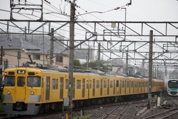 2020年7月15日。田無。4番ホームから発車した2401F+2095Fの下り回送列車。