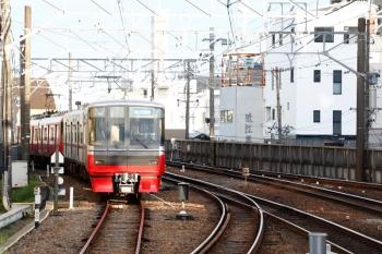 2020年7月16日 5時43分ころ。東岡崎。駅の名古屋方の電留線に2連が2本 留置されてました。