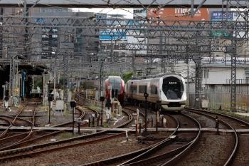 2020年7月16日 7時18分ころ。米野。名張始発の特急105レで名古屋駅へ到着した後で、米野駅へ回送されてきたアーバンライナーplus。上り線に転線し3番ホーム(3号線)へ入り、折り返し入庫します。