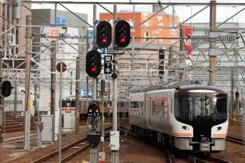 2020年7月16日 17時43分ころ。名古屋。関西本線をやって来たHC85系。