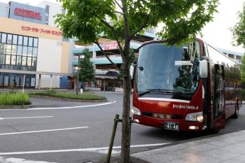 2020年7月16日 5時35分ころ。東岡崎駅前。東京から到着した高速バス。