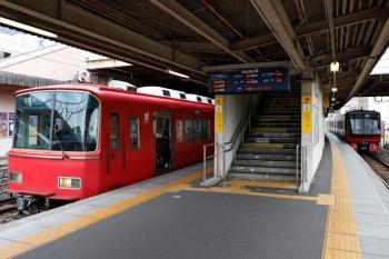 2020年7月17日 9時27分ころ。犬山。5番線で発車を待つ6821ほか2連の新可児ゆき普通。