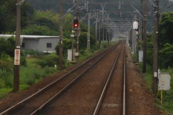 2020年7月17日。名電赤坂〜名電長沢。見通しが良い下り勾配にあった「無へいそく禁止」。