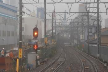 2020年7月17日。知立〜富士松。高架化工事で仮線になっていると思われるところにも「無へいそく禁止」がありました。