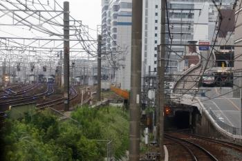 2020年7月17日 8時44分ころ。山王〜名鉄名古屋。JR名古屋駅が左奥に見えてます。上の写真から2分ほどして、名鉄名古屋駅のすぐ手前まで進みました。