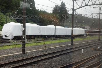 2020年7月18日 9時11分ころ。横瀬。S-Train 1号の車内から、留置中の10000系が見えました。