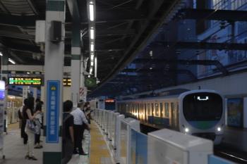 2020年7月24日。練馬。右から、38114Fの下り回送列車、メトロ7016Fの6809レ。