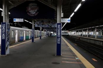 2020年7月25日 21時47分ころ。西武球場前。閑散とした駅構内。