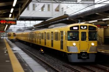 2020年7月25日。西所沢。2073Fの1002レ(右)と2063Fの下り回送列車(左奥)。