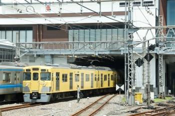 2020年7月26日。所沢。仏子駅から乗車した30104Fの2128レの車内から見えた、2003Fの5610レ。