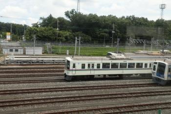 2020年8月1日。狭山ヶ丘〜小手指。上り列車から見えた、小手指車両基地内の4001F。