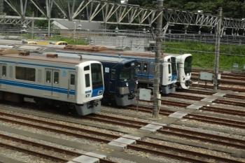 2020年8月1日。狭山ヶ丘〜小手指。上り列車から見えた、小手指車両基地内の9108F(左から2つ目)。