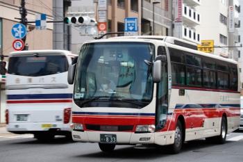 2020年8月9日。池袋。千曲バスと会津バスのすれ違い。