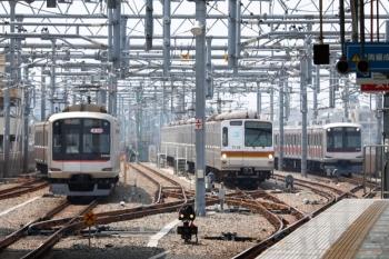 2020年8月9日。石神井公園。左から、東急5164Fの6659レ、41S運用のメトロ7010F(次は6320レ)、右端は東急4104Fの1710レ。