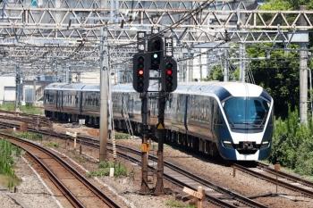 2020年8月16日 12時13分ころ。池袋〜目白。「サフィール踊り子」E261系の南行 回送列車。