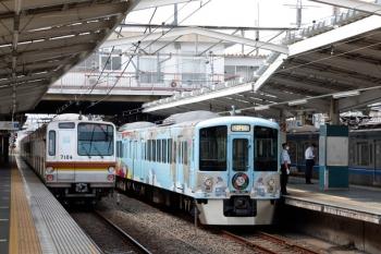 2020年8月18日。清瀬。左から、メトロ7004Fの6577レ、4009Fの上り列車、通過する6000系の1806レ。