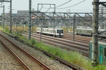 2020年8月18日 12時20分ころ。小手指車両基地。飯能方にいた作業中の4003F。下り列車の車内から。