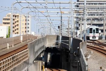 2020年8月18日 14時31分。練馬。4009F(52席)の下り列車が緩行線へ入ります。