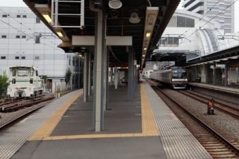 2020年8月23日。東長崎。メトロ1011Fの4201レ(右)。