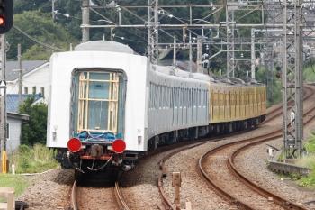 2020年8月23日 11時1分ころ。西所沢。263Fに権威され3番ホームを通過した40153F5両の下り回送列車。