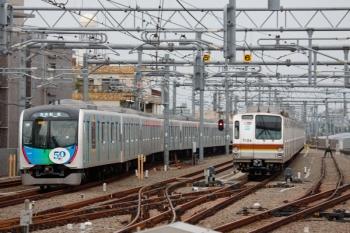 2020年8月23日。石神井公園。40151F(ドラえもん)の6551レ(16M運用)と、6番線で夜間滞泊だったメトロ7034F。