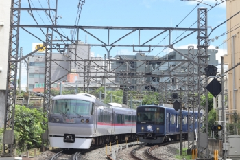 2020年8月27日。高田馬場〜下落合。10112Fの120レと20105F(ライオンズ)の2643レ。