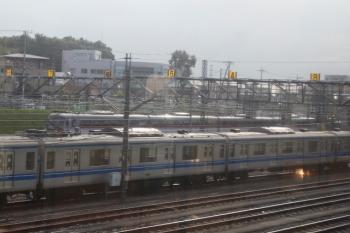 2020年8月30日 朝7時過ぎ。小手指車両基地。上り列車の車内から10000系4両が見えました。