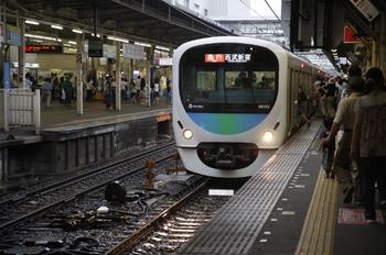 2009年6月28日、所沢、電気連結器撤去前の38102F。