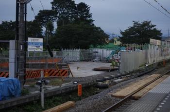 2009年9月3日、元加治、ホームの池袋寄りから駅南側を撮影。