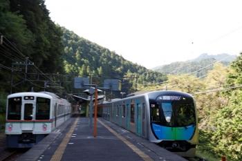 2020年9月5日 9時4分ころ。西吾野。右が40106FのS-Train 401レ。左は4003Fの5016レ。