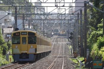 2020年9月8日。東伏見〜武蔵関。2057F+2417Fの2618レ。奥の武蔵関駅に先行の5812レが見えているのでゆっくり。
