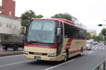 2020年9月16日。高田馬場駅近くの新目白通り。池袋へ向かう長電バス。