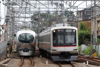 2020年9月27日。西所沢。西武球場前駅から戻ってきた東急4104Fが引き上げ線から出てきて小手指へ回送されます。
