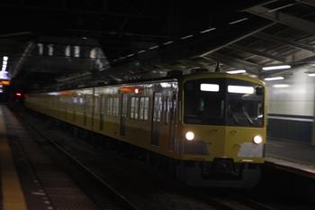 2010年7月1日 19時55分、西所沢、通過する3007Fの上り回送列車。