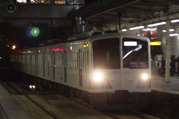 2010年11月8日 19時51分頃、所沢、1259Fの新宿線・下り回送列車。