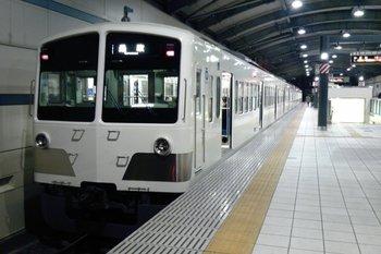 2010年11月30日、武蔵境、1259Fの237レ。