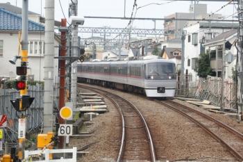2020年10月4日。中井〜新井薬師前。下り列車の車内から。