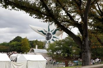 2020年10月11日 13時18分ころ。万博記念公園の中。太陽の塔の背後。