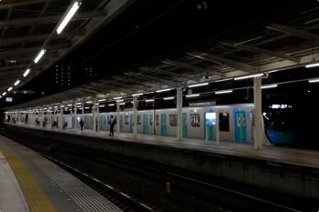 2020年10月18日 17時57分ころ。入間市。5番ホームへ到着する入間市どまりのS-TRAIN 404レ。車両は40103F。