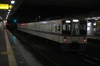 12010年12月28日 21時22分頃、仏子、4015Fの下り回送列車。