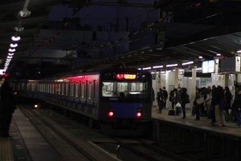 2011年1月25日 6時20分ころ、所沢、発車した20102Fの急行 西武新宿ゆき。