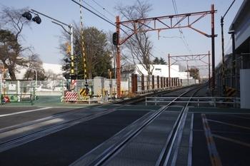 2011年2月27日、萩山~小川、府中街道の交差部分の北側。