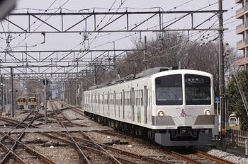 2011年3月20日 12時25分頃、萩山、西武遊園地から到着する1247Fの国分寺ゆき。