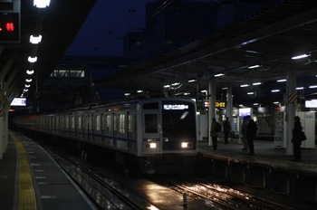 2011年3月22日 5時30分頃、所沢、6113Fの各停 小竹向原ゆき。