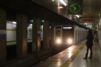 2011年3月30日 18時53分頃、新桜台、6113Fの各停 小竹向原ゆき。