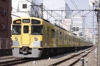 2011年4月27日、高田馬場~下落合、2451F+2007Fの2805レ。