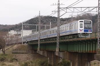 2011年4月3日 8時3分頃、仏子~元加治、6114Fの快速 新木場ゆき。