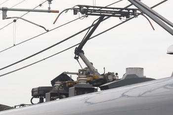 2011年6月11日、モハ10112Fの集電装置。