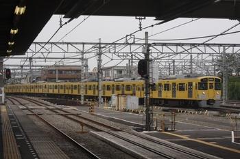 2011年6月26日、所沢、2519F+2525Fの各停 西武球場前ゆき。